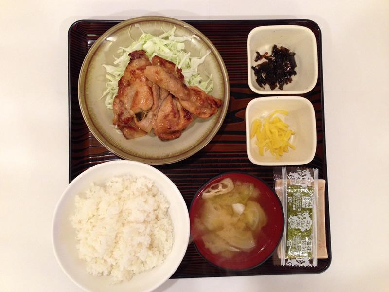 豚の生姜焼き定食の写真