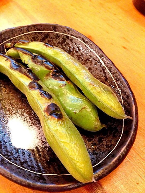 空豆の焼き物の写真